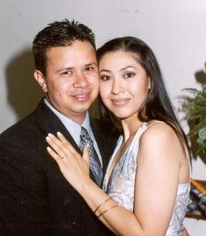 Juan Valverde Vázquez y Magdalena Silva Hernández contrajeron matrimonio recientemente