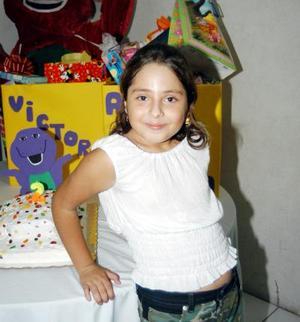Niña Victoria Carrillo el día que fue festejada por su octavo cumpleaños.