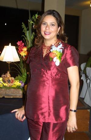 Albertina Acevedo de Dávila en la fiesta de regalos que se le ofreció por el próximo nacimiento de su bebé