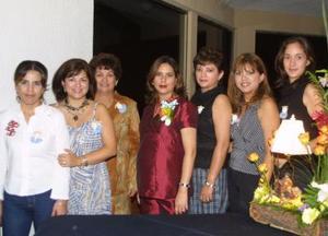 Albertine Acevedo con las organizadores de su fiesta de canastilla, Mónica de Villarral, Lorena de Harris, Lilia Jardón de A., Liliana de González y Lily González