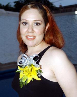 Liliana Saldaña Arámbula fue despedida de su vida de soltera  en días pasados; ella contraerá nupcias con el señor Alberto Martínez García.