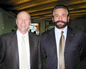 <u>18 octubre </u><p> Salvador Jalife y Guillermo Salmón viajaron a México para tratar asuntos relacionados con la industria de la construcción.