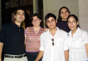 Carlos Cuadros, Blora Hernández, Mónica Pérez, Miguel Herrera y Bety Elizalde.