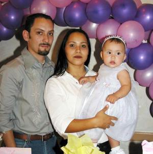 Naomi Sifuentes Acosta en la fiesta que le organizaron sus papás los señores José Sifuentes Mota y Araly Acosta de Sifuentes con motivo de su primer año de vida.