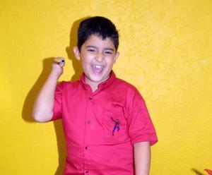 Niño Francisco Téllez Rodríguez en la fiesta que le ofrecieron por su octavo aniversario de vida.