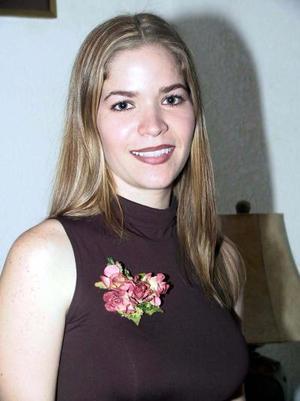 Ana Sofía González Salazar en una de sus últimas despedidas de soltera.