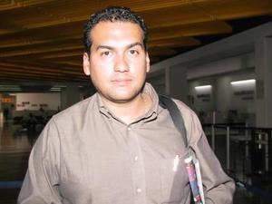 <u>19 octubre </u><p> Osiel Montero regresó a Guadalajara luego de tratar asuntos de trabajo en La Laguna.
