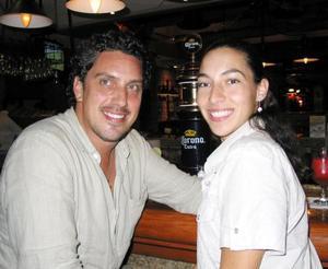 Brian Berlanga y Verónica Macintosh.