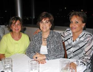 Señoras María Luisa Huerta, Gabriela Faya y Josefina Ramírez
