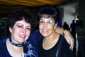 <u>20 octubre </u><p> Regresó a la Coidad de México, María Elena Mondragón, la despidió Adriana Ruiz.