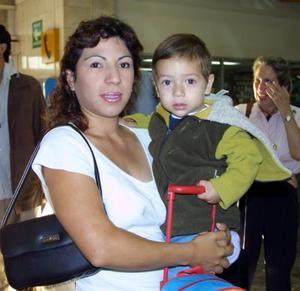 Solvia Olague López y Orlando Aguilar Olague viajaron a la Ciudad de México