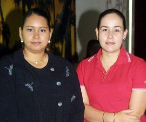 Aída Figuerosa y Lucy Goray en pasado acto social.