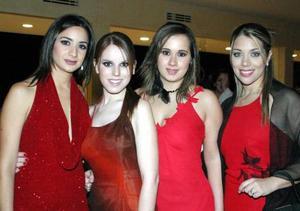 <u>23 octubre 2003</u> <p> Laura Pérez, Lupita Estrada, Belinda de Sánchez e Ingrid Jayme captadas en el banqeute de boda de Alejandro Veyán y Paola Boehringer.