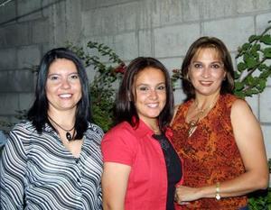 Adriana Garza, Karla Luna y Martha Irene Valdez.