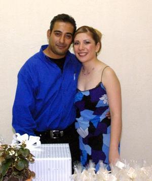 Carlos A. Ojeda Escamilla y  Verónica Aguilar González contraerán matrimonio en próxima fecha.
