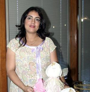 <u>24 octubre </u><p> Señora Betty Lugo de Chawi en la fiesta de regalos que se le organizó por el próximo nacimiento de su bebé.