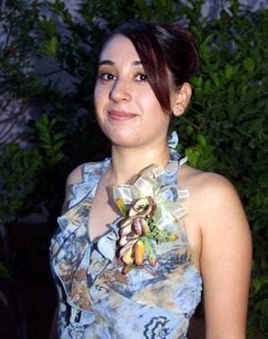 Brenda Monsiváis López en la despedida de sotlera que le ofrecieron por su próximo matrimonio con César Grijalva Reyes.