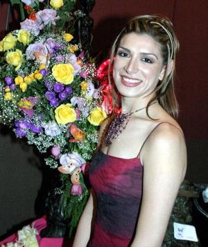 <u>23 octubre </u> <p>  Srita. Iris  Carolina Márquez Sánchez en su despedida de soltera.