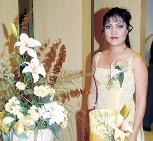 Estela Morales ramos en la despedida de soltera que le ofrecieron las señoras Estela de Morales y Elsa de Pérez por su próximo  enlace matirmonial.