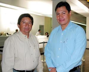 <u>24 octubre </u><p>  Daniel López llegó de México para evaluar un trabajo de la CFE, lo recibió Miguel Ángel Roque.