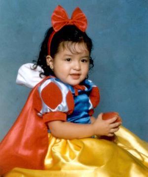 Anna Lilia Quiroz Tapia con su vestido de Blancanieves es hija de Édgar Leonardo Quiroz y Liliana Tapia de Quiroz.