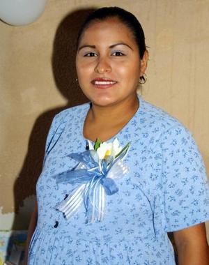 <u>25 octubre </u><p> Señora Lizbeth Valenzuela captada en su fiesta de regalos, ofrecida por el próximo nacimiento de su primer bebé