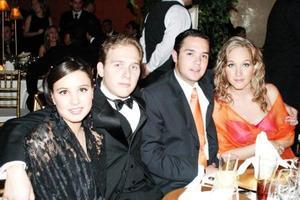 <u>26 octubre 2003</u> <p> Valeria de Berlanga, Ignacio Berlanga, Andrés ROsas y Ana Laura Berlanga captados en la recepción de boda de Alejandro Veyán y Paola Boehringer.