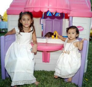 Las pequeñas Ana Victoria y Ana Cristina Castro Arreola celebraron su séptimo y primer aniversario de vida respectivamente