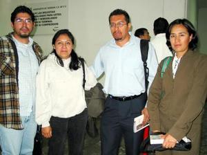 Albeto Juárez, Silvia Ramírez y Carolina Fernández llegaron de la Ciuda de México para cubrir la competencia 10k.