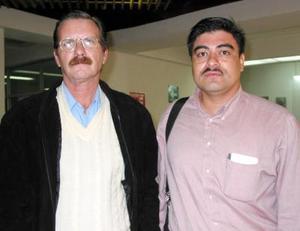 <u>26 octubre </u><p> Para asistir a un curso de alimentación viajaron a la ciudad de Puebla, Jorge Martínez y  Salvador Grijalva.