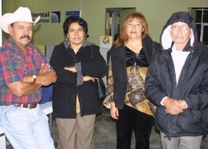 Alberto Moreno Camargo, Juana Moreno Aguilar y Felícitas Luna García viajaron a Tijuana en plan vacacional.