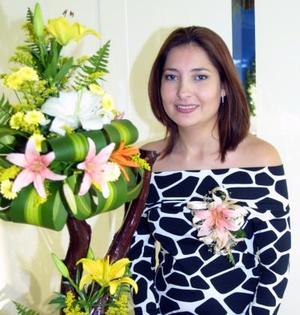 <u> 28 de octubre </u> <p> Gabriela Villanova Ponce en la fiesta de despedida que le ofrecieron por su próxima boda con  Alfredo Díaz Villarreal.