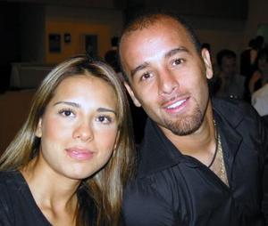 Arely de Rodríguez y Johan Rodríguez.