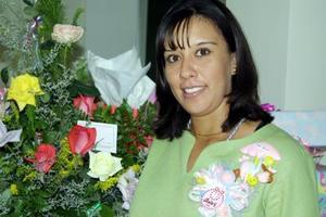 Rosa Janeth Murguía de Sánchez recibió sinceras y numerosas felicitaciones  en la fiesta de canastilla que le ofrecieron.