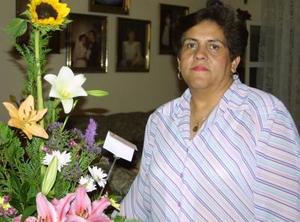 <u>30 de octubre </u><p>   Señora Pilar de Castañón festejó su cumpleaños en días pasados.