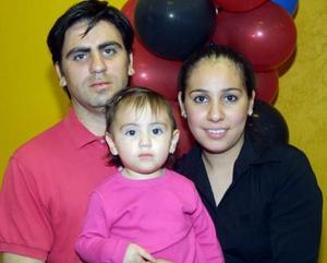 Iván Espericueta, Luisa Fernanda Espericueta y Diana G. de Esepricueta.