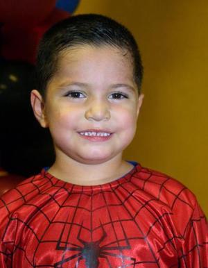 Juan Garza Gurrola en la fiesta de cumpleaños que se le ofreció por su cuarto aniversario de vida.