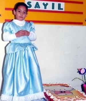 La niña Sayil festejó su quinto aniversario de vida con un grato convivio ofrecido por su s papás, Jothsman Calderón Flores y Sandra Blanco Aguilar.