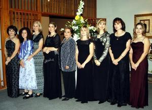 Chiquis Algara, María Inés Román, Mónica Jiménez, Diana Jiménez, Lupita de Jiménez, Consuelo de Jiménez, Clarita Jiménez, Paty Jiménez y Mónica de Jiménez.