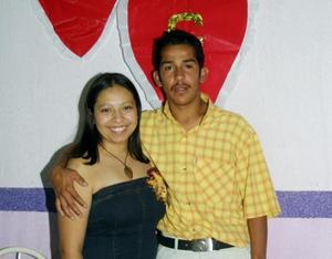 <u> 02 de noviembre </u> <p> Yadira Nava y Gustavo Rodríguez contraerán matrimonio en fecha próxima y por tal motivo se les ofreció una despedida de solteros.