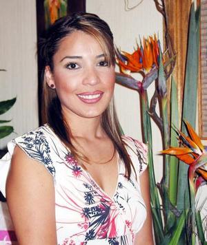 <u> 03 noviembre </u> <p> Mónica Barba Pastrana en su despedida de soltera, ella se casará con el señor Ramiro Enríquez Maýnez.
