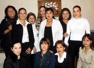 Imelda Velázquez de Carreón el día que festejó su cumpleaños acompañada de amigas y familaires.