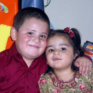 <u> 05  de noviembre </u> <p> Los pequeños Sergio y Andrea Alfaro Aldape en la fiesta que les ofrecieron sus papás, con motivo de sus cinco y dos años de edad.