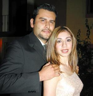 <u> 06 noviembre 2003 </u> <p>  Juan Antonio Díaz Infante Saldaña y Blanca Ríos en la despedida de solteros que les ofrecieron amigos y amistades en días pasados.