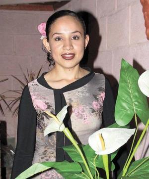<u> 07 noviembre </u> <p>  Mónica Iveth Salazar Olivares en su despedida de soltera.