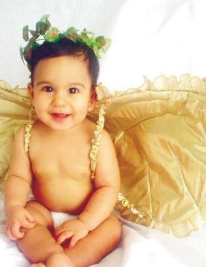 Niña Melody Frías en una fotografía de estudio, es hija de los señores Miguel Frías Macías y Melody Villarreal de Frías.