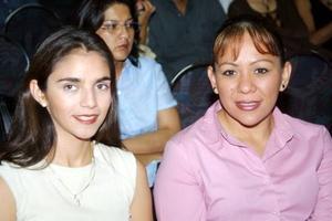 Sandy Martínez y Paty Morales.