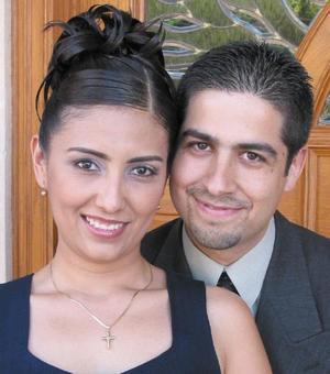 Silvia Azucena Ortiz Reynoso y Raúl Robles del Río contrajeron matrimonio el ocho de noviembre.