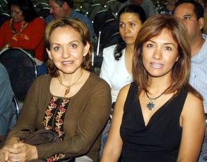Griselda A. de Madinaveitia y Layla G. de Barocio.