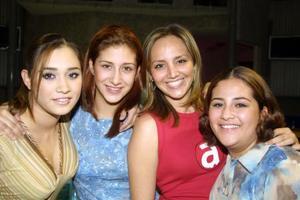 <u> 10 de noviembre </u> <p>  Moserrat Reyes Franco, Trixie Reyes Franco, Marisol Carrillo y Alejandra Reyes Franco, captadas en pasado acontecimiento social.